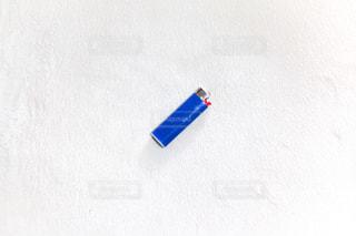 青と白の凧の写真・画像素材[1081308]