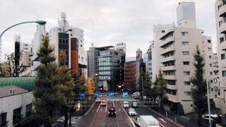 街の通りのビューの写真・画像素材[1084804]