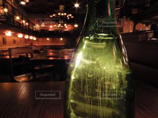 クローズ ボトル、ワインのガラスのの写真・画像素材[1089274]