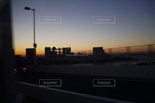 夕暮れ時の都市の景色の写真・画像素材[1759247]