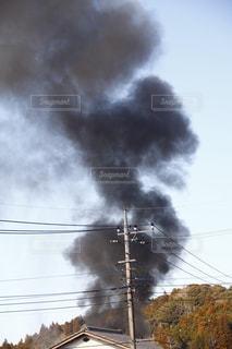 それから出てくる煙とトラックの鉄道の写真・画像素材[1759262]