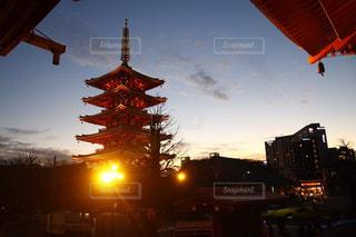 寺社仏閣。夕方の光景の写真・画像素材[1759882]