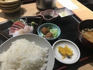 皿の上のご飯 - No.1041602