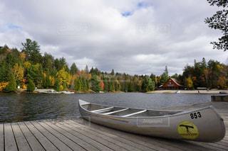 水体の木製ボートの写真・画像素材[1638683]