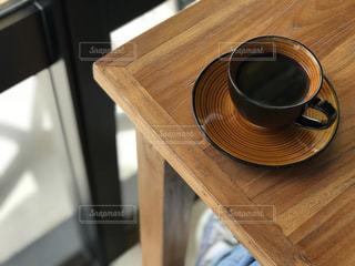 木製テーブルの写真・画像素材[1026996]