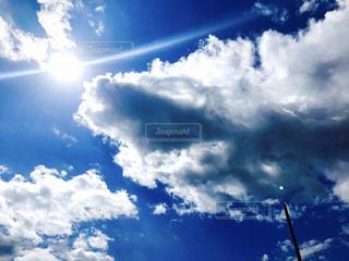 青い空に雲の写真・画像素材[737905]