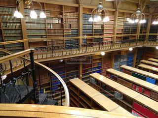 図書館の人々 のグループ - No.750422