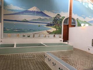 銭湯、背景は富士山の写真・画像素材[268224]