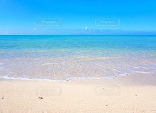 海の横にある砂浜のビーチの写真・画像素材[756054]
