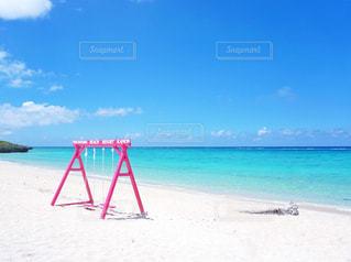 砂浜のピンクブランコ - No.830972