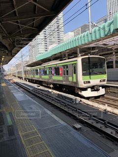 列車が駅に引いての写真・画像素材[1121208]