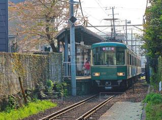 下り列車を走行する列車を追跡します。の写真・画像素材[1112433]