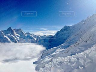 スイスの雪山の写真・画像素材[879376]