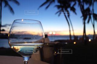ワインのガラスの写真・画像素材[1517067]