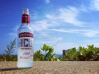 海辺で飲み🏖の写真・画像素材[334327]