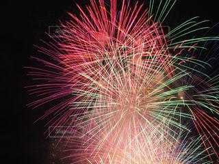 空に花火の写真・画像素材[1413771]