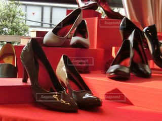 赤い靴のペアの写真・画像素材[721856]