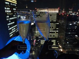 青いライトとテーブルの写真・画像素材[724557]