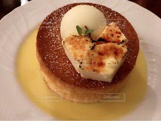 皿の上の食べ物の写真・画像素材[731794]