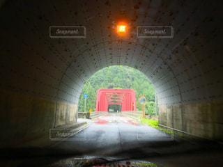 建物の前に明るい光の写真・画像素材[755270]