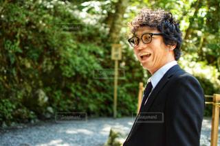 スーツとネクタイを身に着けている男の写真・画像素材[757704]