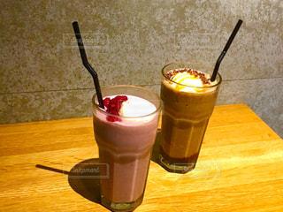 コーヒーとワインのガラスのカップの写真・画像素材[935604]