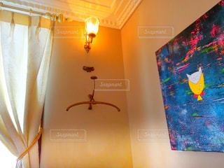 天井からぶら下がっているオレンジの写真・画像素材[943383]