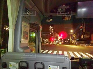 バスに座っている鉄道の写真・画像素材[955452]