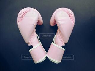 ピンクのグローブの写真・画像素材[998016]