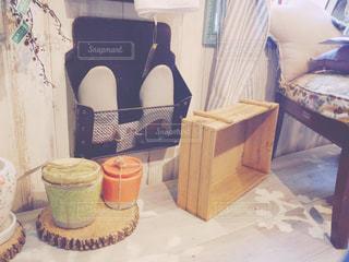 テーブルの上のコーヒー カップの写真・画像素材[1006242]