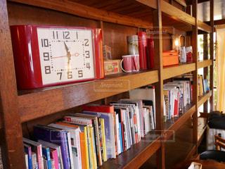 本棚は本でいっぱい - No.1031233