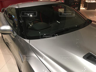 銀と黒の車の写真・画像素材[1117853]