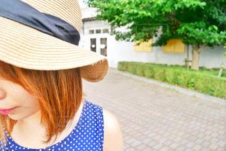帽子をかぶっている人の写真・画像素材[1339468]