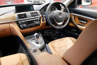 車内のドライバーシートの写真・画像素材[1501221]
