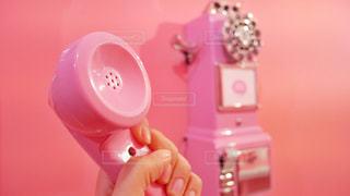 受話器を持つ女性の手の写真・画像素材[1654147]