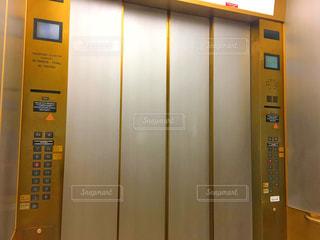 近くにエレベーターの写真・画像素材[1699136]