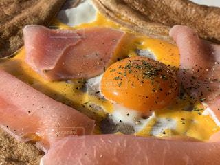 卵のガレットの写真・画像素材[1737402]