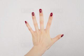 指を広げる女性の手元の写真・画像素材[1753312]