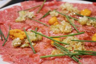 ピザの一切れの食べ物の皿の接写の写真・画像素材[2109163]