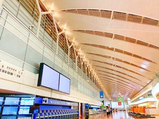 空港で待ち時間の写真・画像素材[2250642]