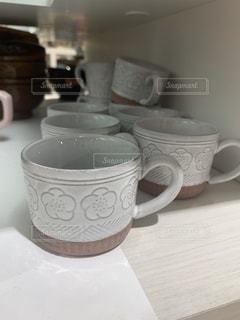 テーブルの上のコーヒー1杯の写真・画像素材[2822322]
