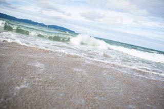 海の横にある砂浜のビーチの写真・画像素材[877960]