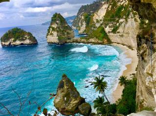撮影地→バリ、ヌサペニダ島のPantaiAtuh(アトゥ・ビーチ)の写真・画像素材[1247878]