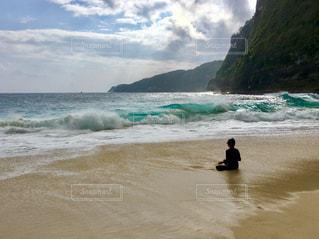 撮影地→バリ、ヌサペニダ島のPantai Kelingking(クリンキング・ビーチ)の写真・画像素材[1248062]