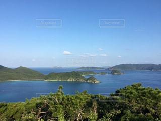 沖縄、座間見島からみた安室島。の写真・画像素材[2804770]