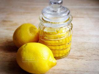 レモンと瓶 - No.472762