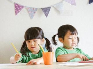 子供のお絵かきの写真・画像素材[656859]