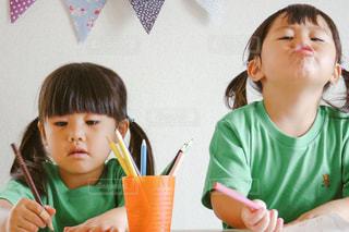 子供のお絵かきの写真・画像素材[656864]