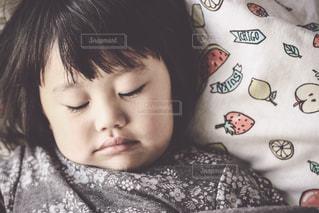 リラックスする子供の写真・画像素材[924205]