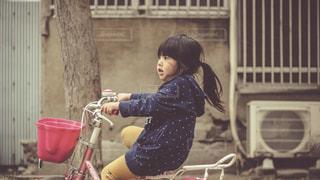 自転車に乗る子供 - No.924230